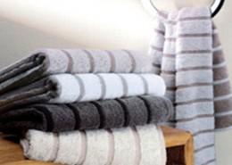 Frottierwaren. Handtücher, Bademäntel und Badteppiche